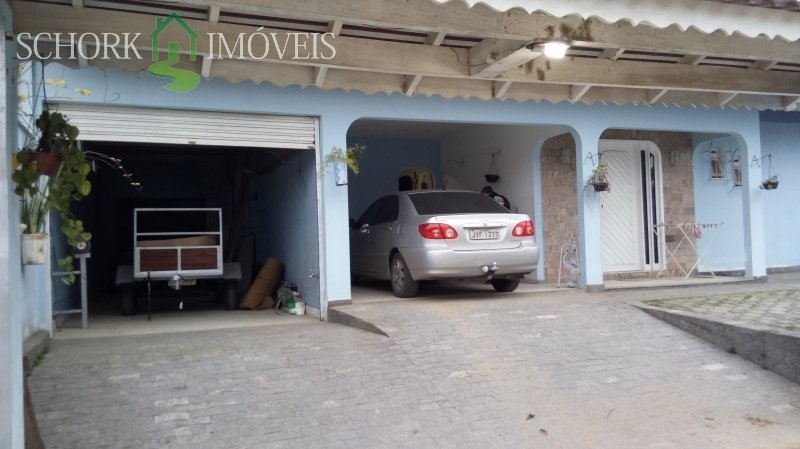 Duas garagens