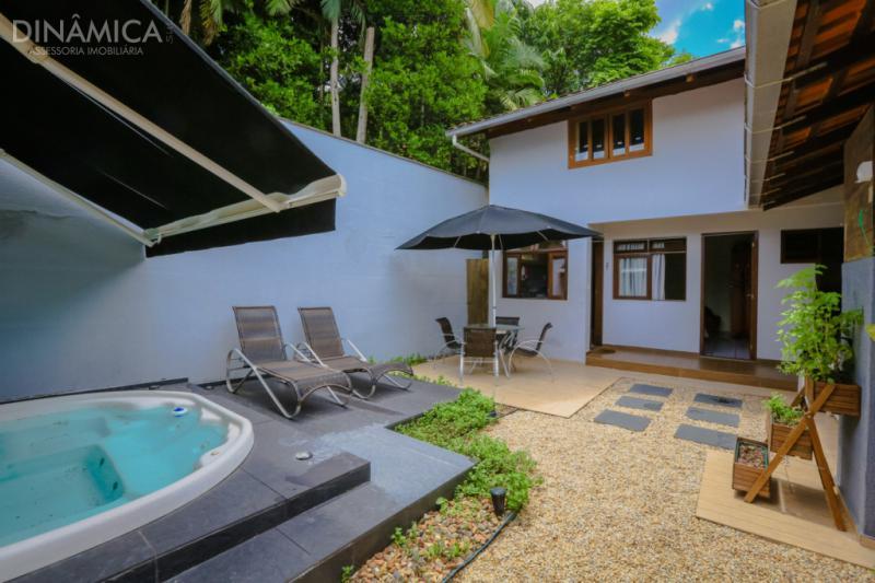 3474690, Casa de 4 quartos, 274.00 m² à venda no bairro Do Salto - Blumenau/SC
