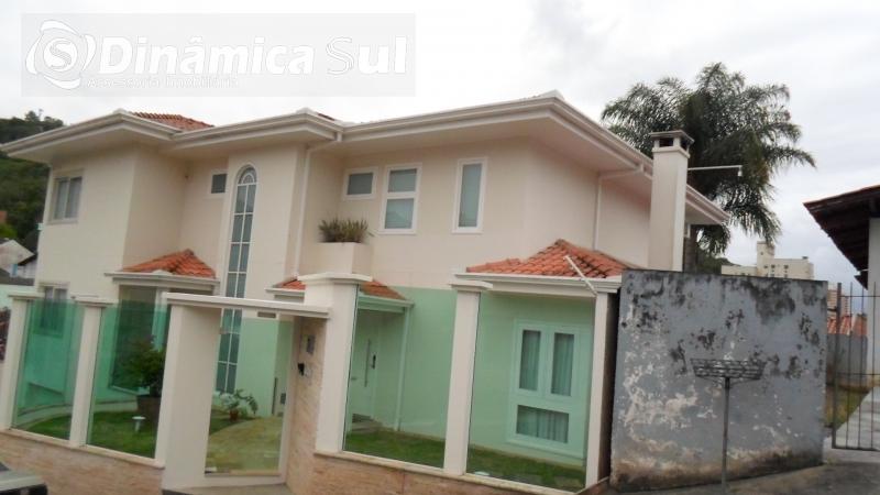 3470706, Casa de 4 quartos, 400.00 m² à venda no bairro Água Verde - Blumenau/SC