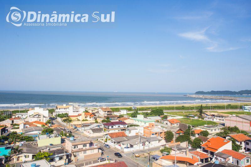 Apartamento para Venda em Navegantes - São Pedro