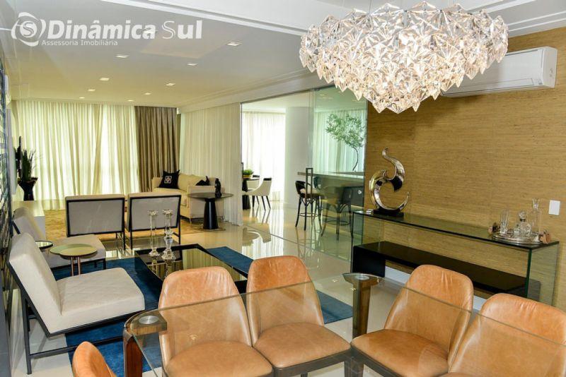 Apartamento para Venda em Itapema - Meia Praia