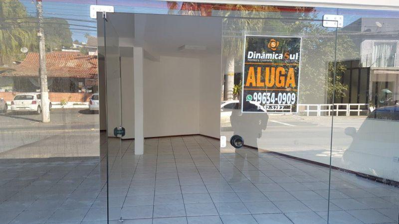 Loja Térrea para Aluguel em Blumenau - Velha