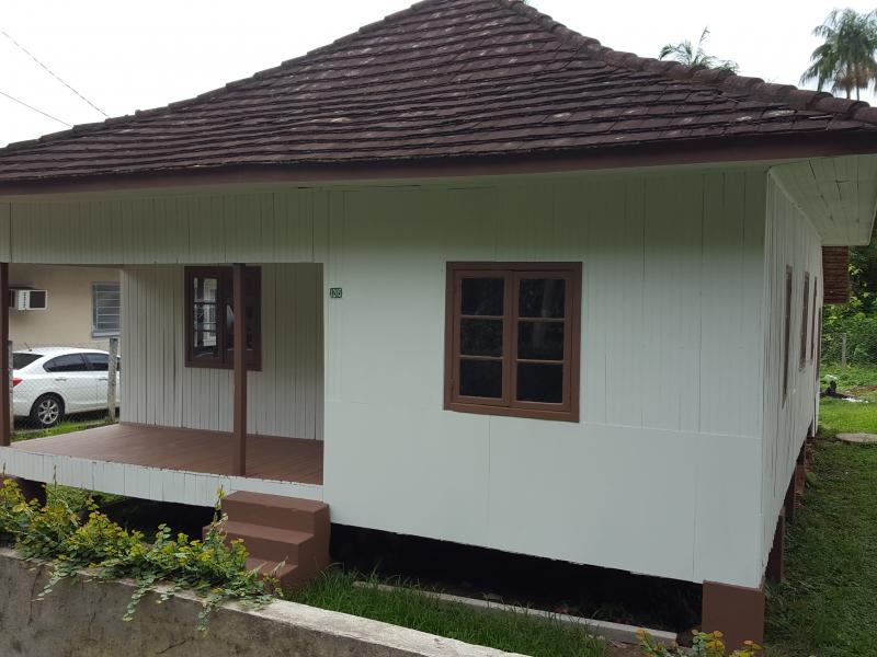 Casa para Aluguel em Blumenau - Vila Formosa