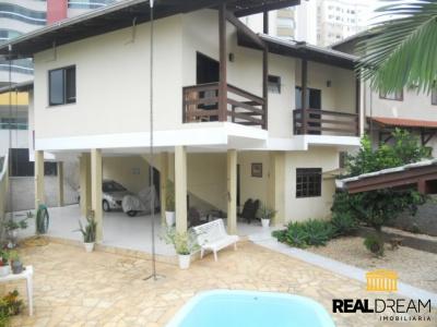 Casa 3 dormitórios Vila Nova - Blumenau, SC